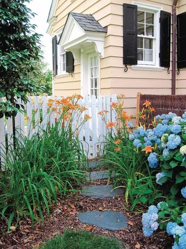 Turn A Neglected Side Yard Into An Inviting Space Preen